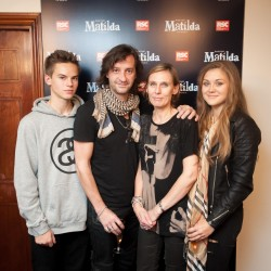 Rob Howell and family