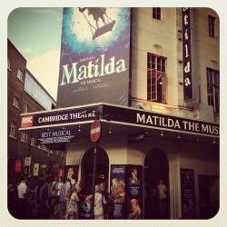 #matilda #matildathemusical #london #westend #amazing #blue #theatre #musicalfavourite #swing #busy #people